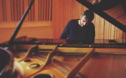 Ricardo with piano (1)