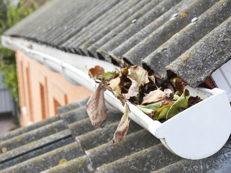 4 Tips to Prevent Your Gutters from Clogging