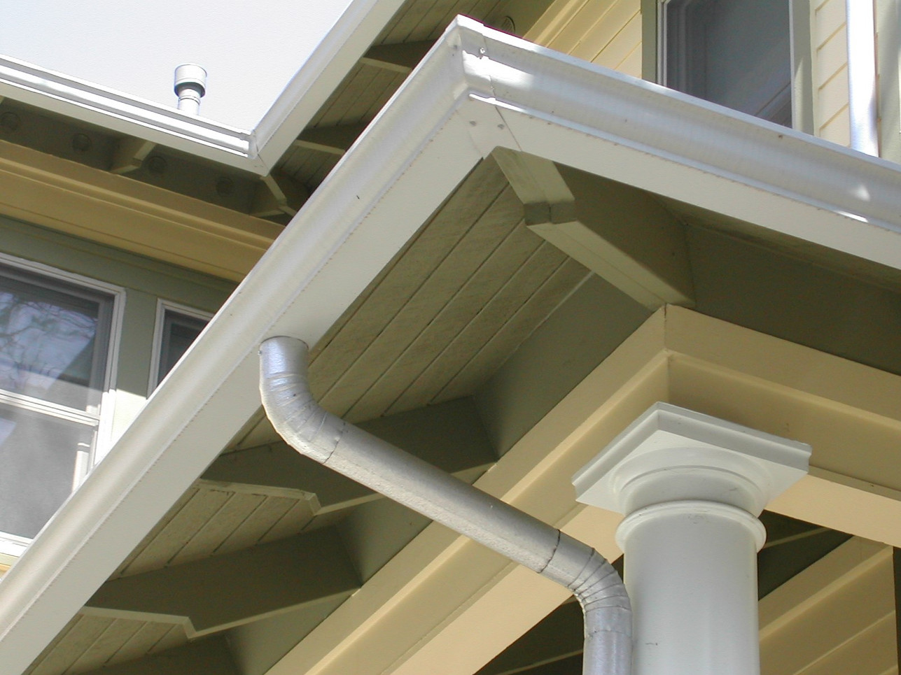 aluminum OGEE with round ds.jpg