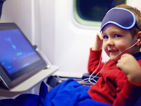 Чем занять детей в самолете?