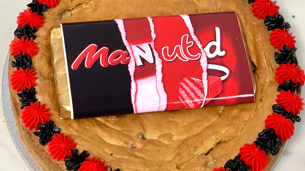 Giant Cookie with Personalised Chocolate Bar in the centre