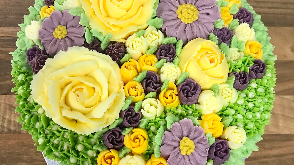 Hand-piped bouquet cake