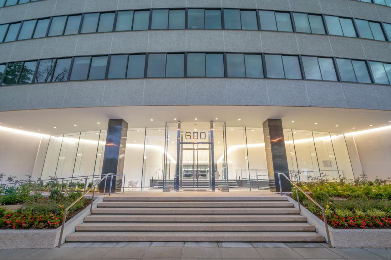 Watergate 600 - Entrance