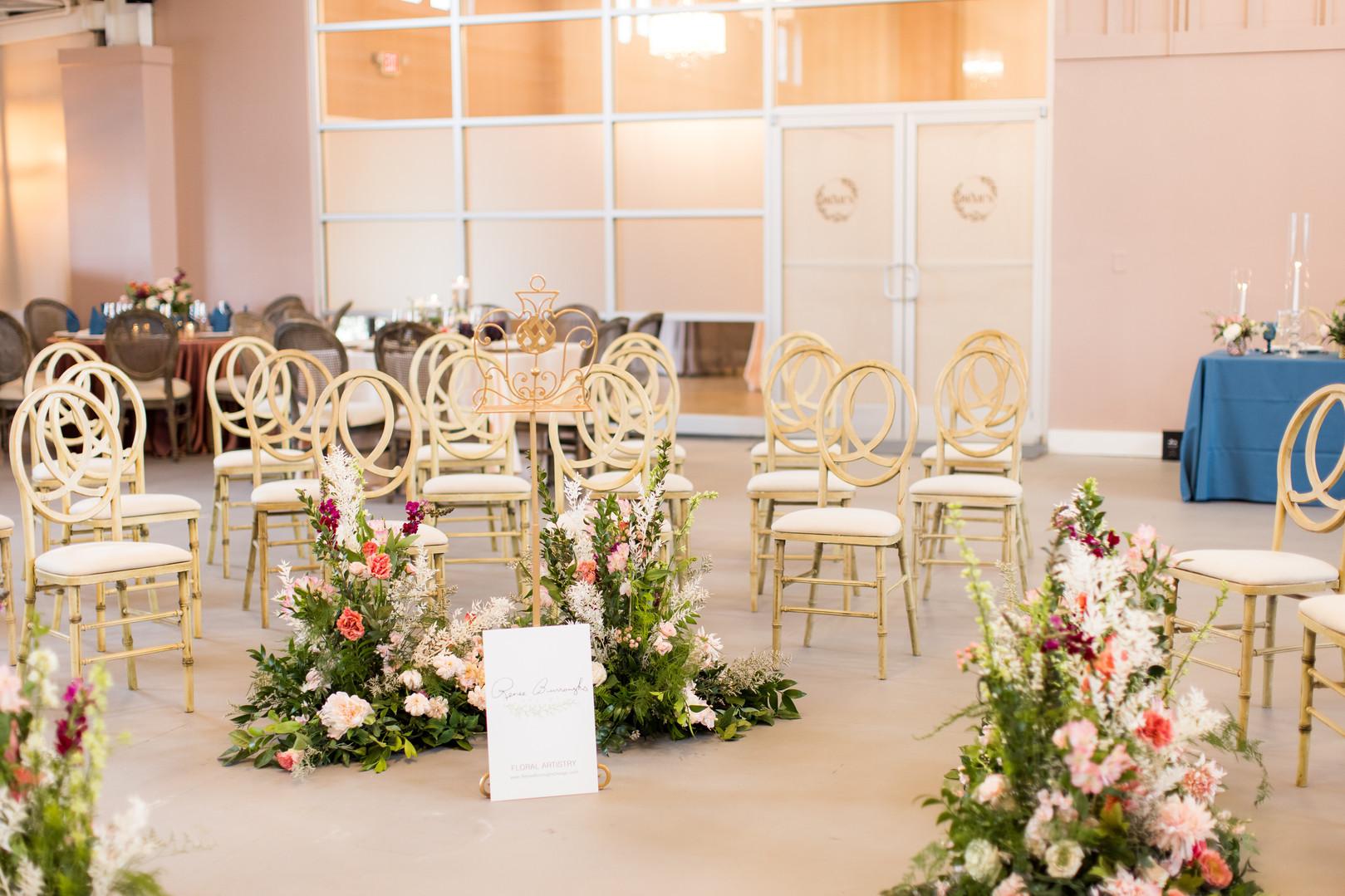 Wedding in the Round.jpg
