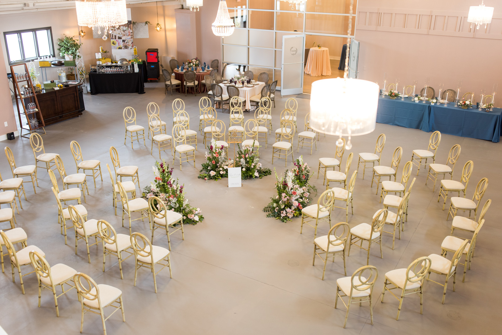 Wedding in the Round Top view 2.jpg