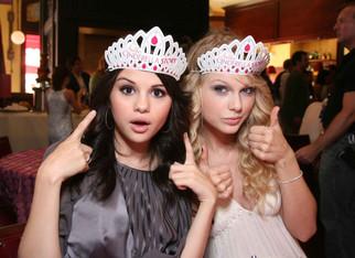 Watch: Selena Gomez Snobs Taylor Swift On Grammys Red Carpet