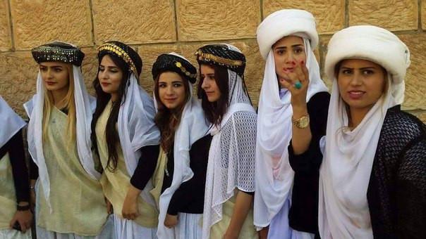 yézidies yézidi habit vêtement traditionnel