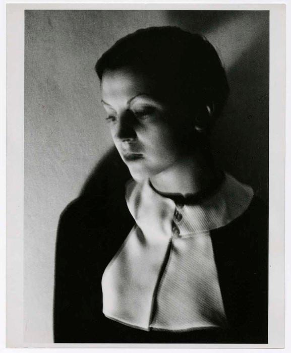 Gerda Taro à Paris - (c) Fred Stein.