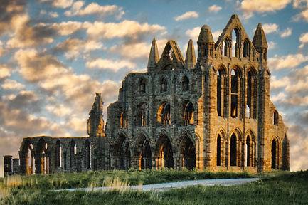 Abbey Ruins, Whitby.jpg