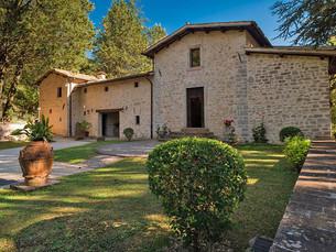Opere in esposizione al Convento di Acqua Premula, Resort a Sellano, Umbria