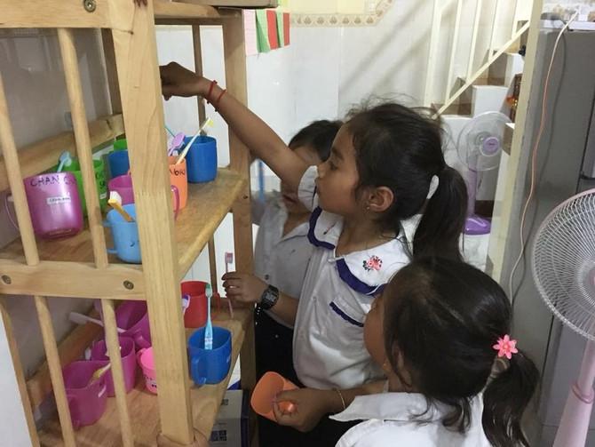Bidonvilles et brosse à dents + évaluation des acquis pour les filles d'Auscam
