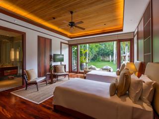 5 Bedroom by the pool Andara Villa 1-2-34.jpg