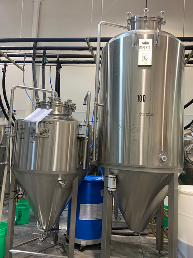Yeast proagation tanks.JPG