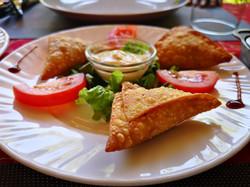 restaurant hotel lakana Ramena