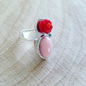 Silver ring with rose Quartz Zilveren ring met rozekwarts en bamboekoraal