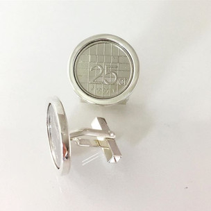 My second pair of cufflinks with 'kwartj