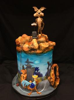 Willie E Coyote and Roadrunner Cake