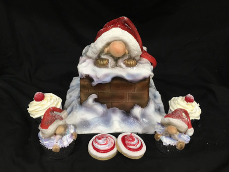 Mini Santa Christmas Cake