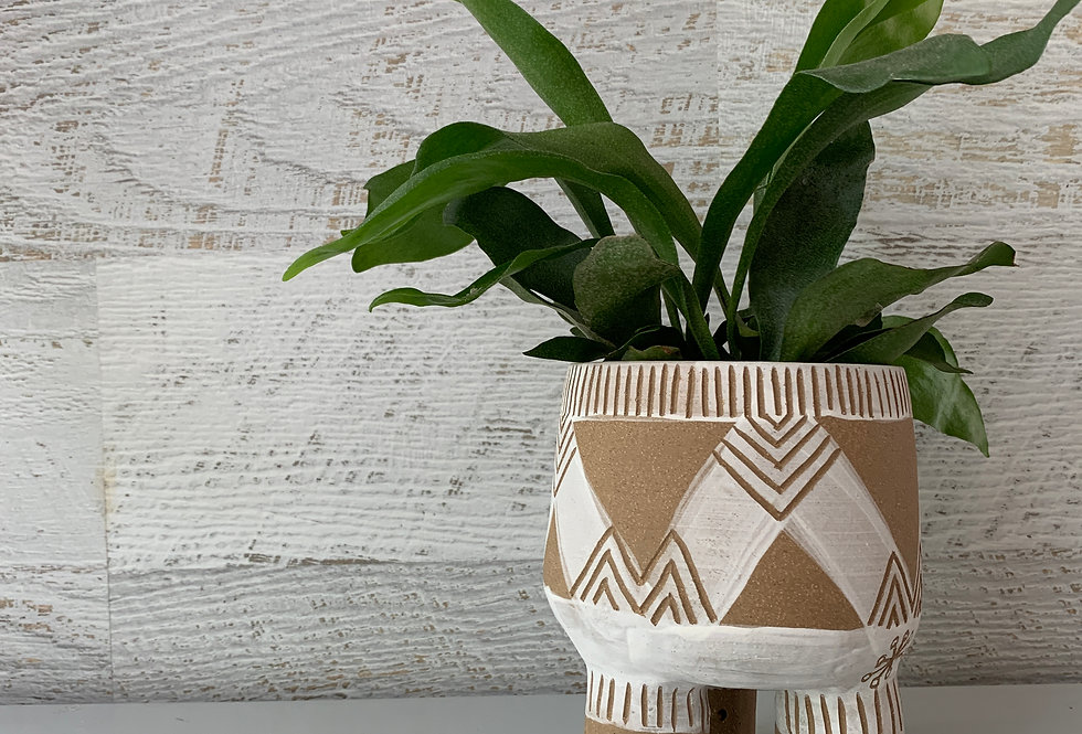 Chevron White - White on Buff Planter