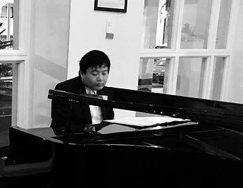 Entertainment Cairns. Pianists.