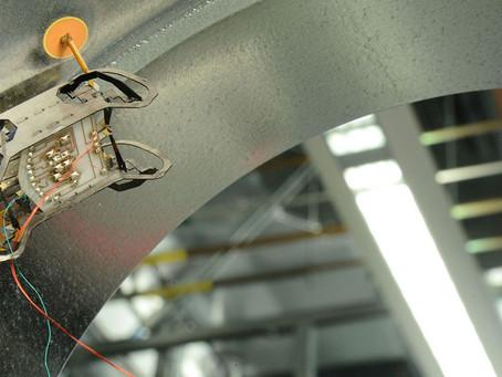 Крошечный робот-геккон для обследования двигателей автомобилей