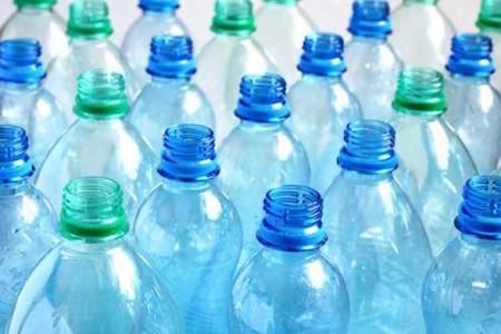 Ученые разработали эффективный способ переработки полиэтиленовых пластиковых отходов в полезные моле