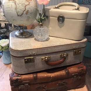 2019 suitcases_edited.jpg