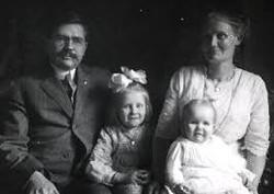 c.1912-13 Roscoe family