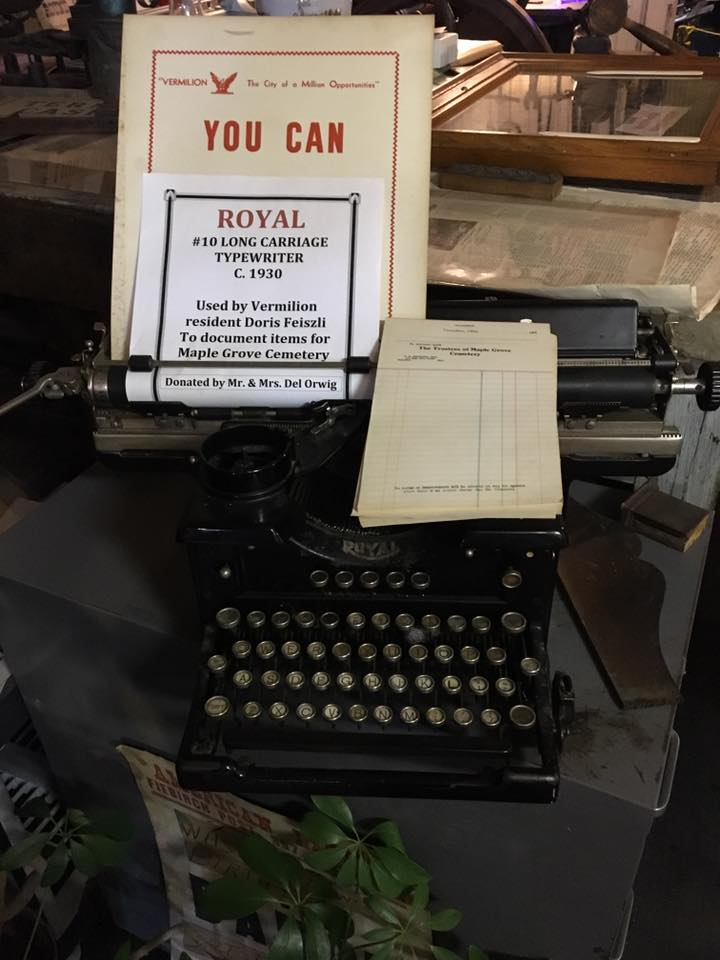 Long Carriage Typewritter