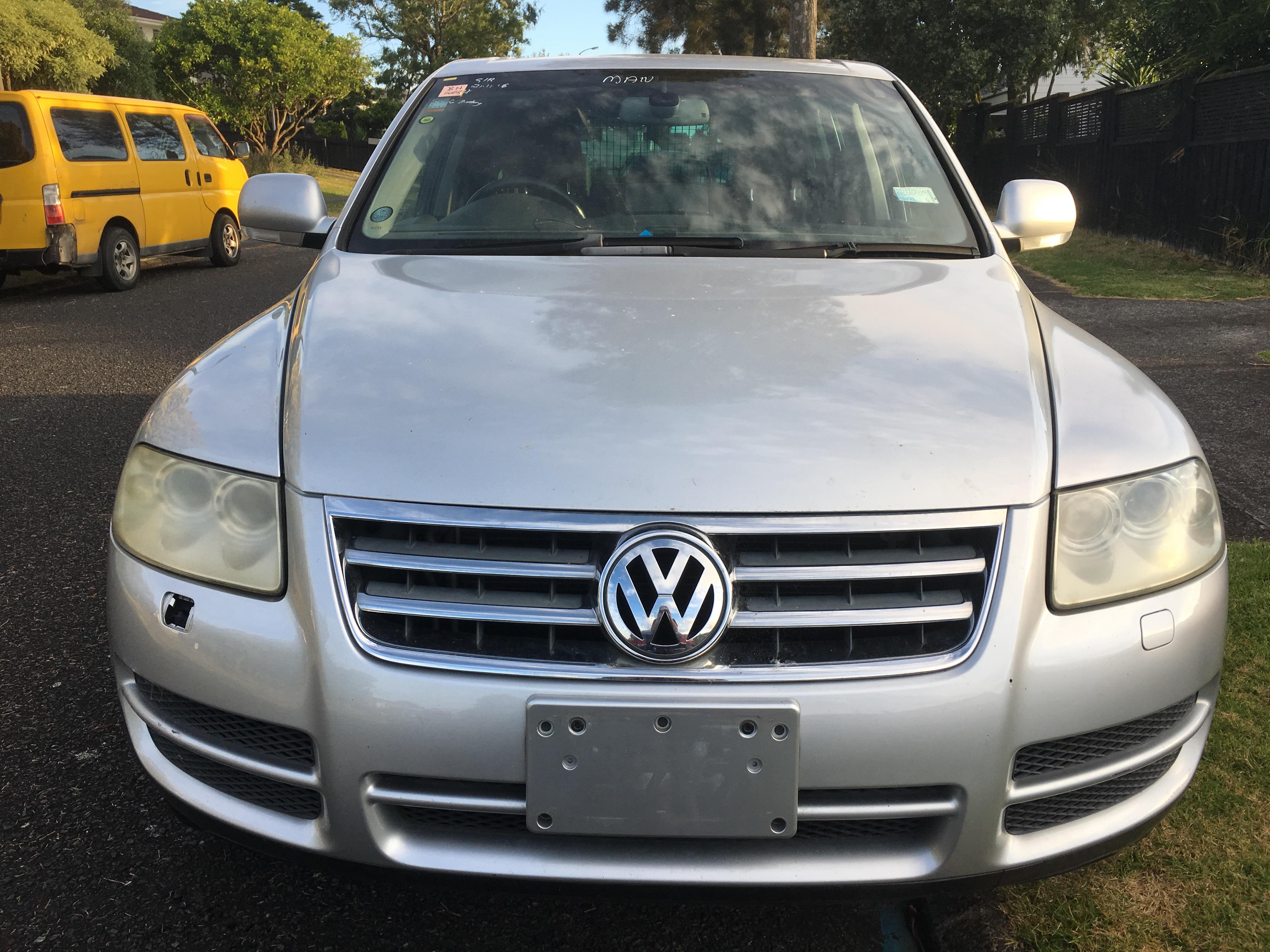VW Touareg 2004 4.2 V8