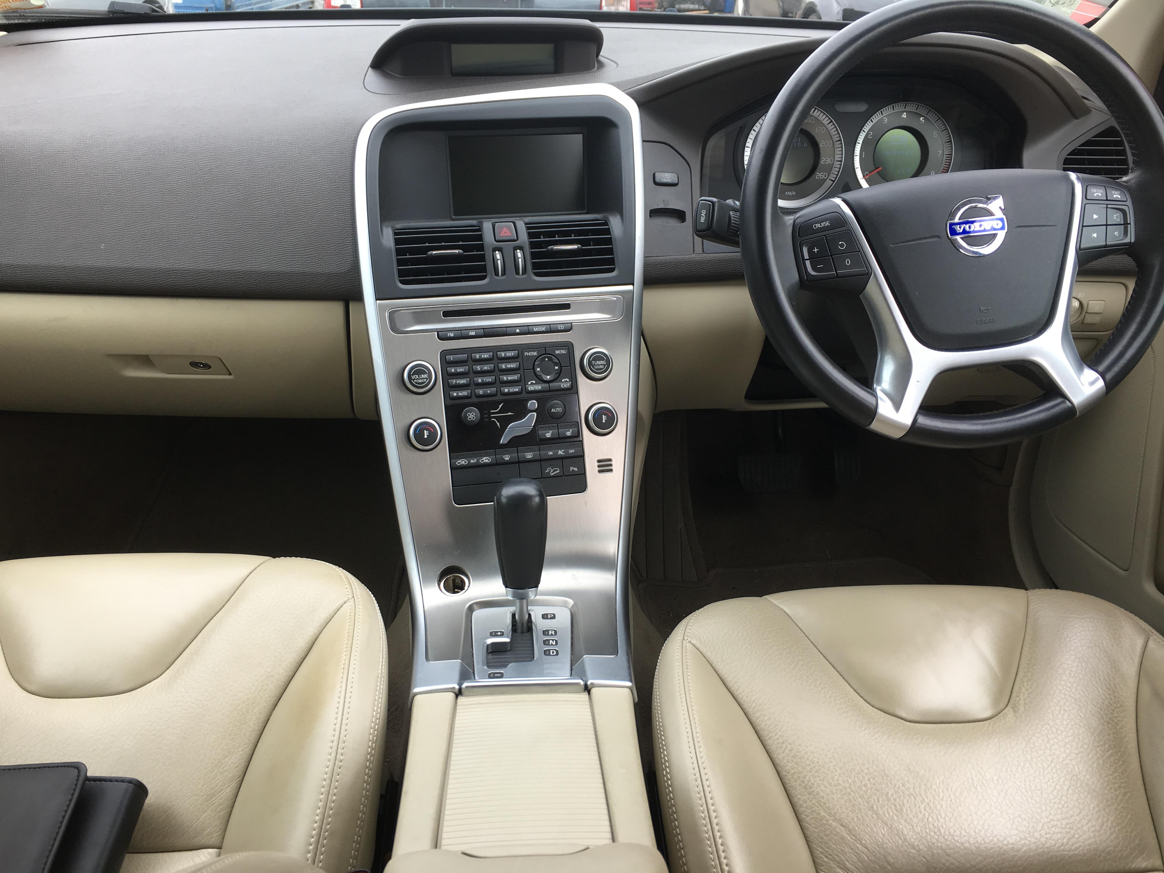 volvo xc60 2010 car parts