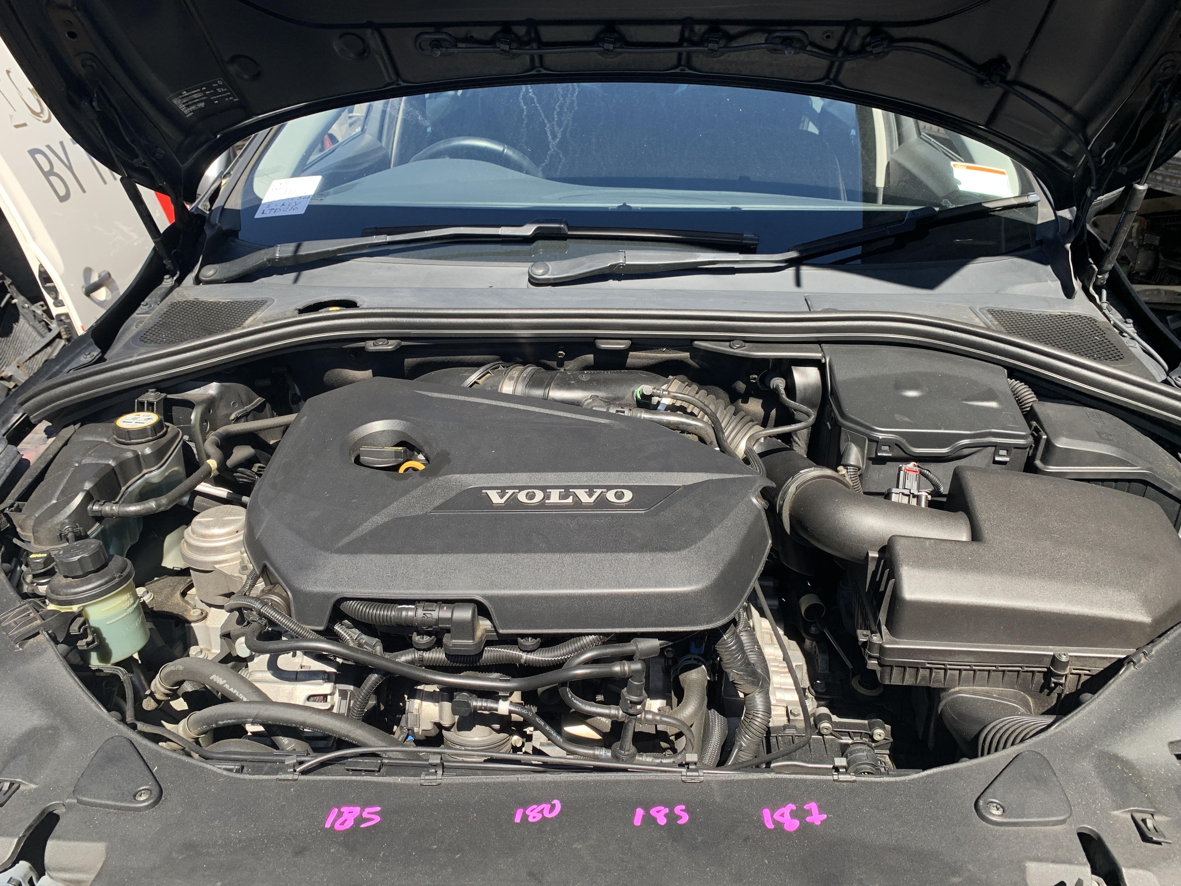 Volvo S60 2012 (8)