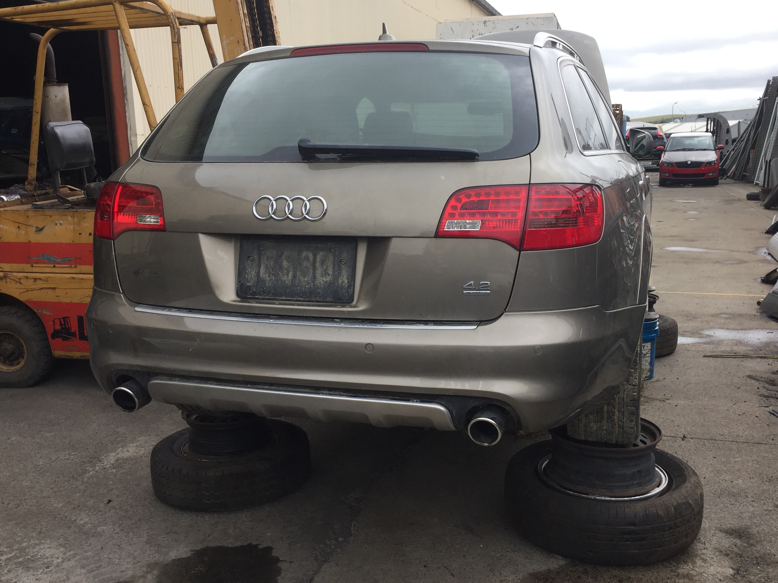 Audi Allroad V8 2006 parts