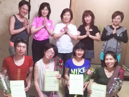 茶道とヨガ教室からヨガ指導者養成第一期生が修了致しました!