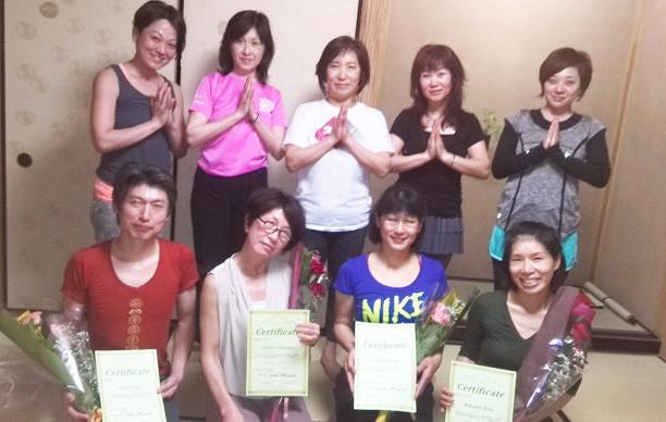 茶道とヨガの教室ヨガ指導養成第一期生
