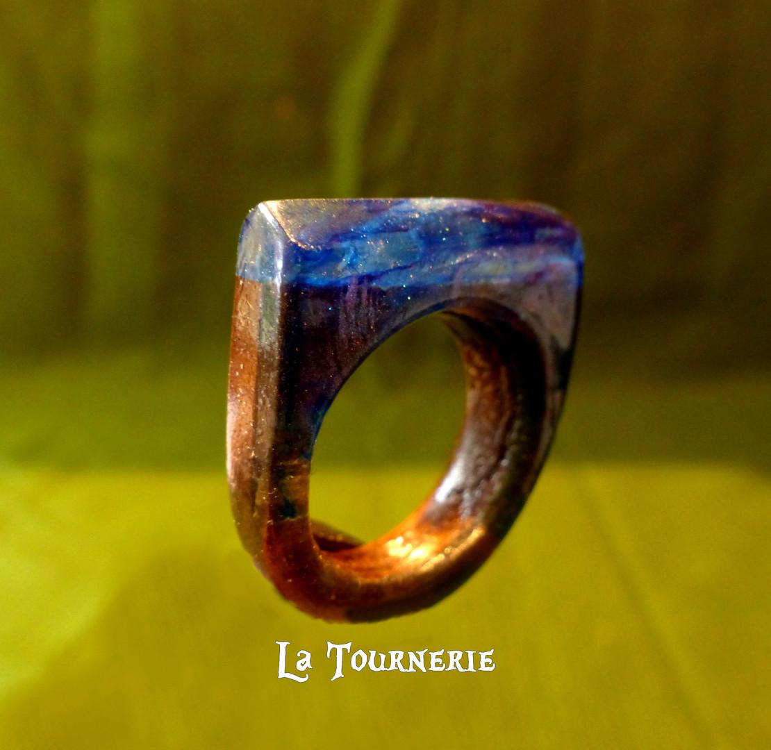 """Bague """"Galaxie"""" en bois et résine by La Tournerie"""