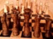 Jeu d'échecs en bois artisanal d'inspiration médiévale by La Tournerie