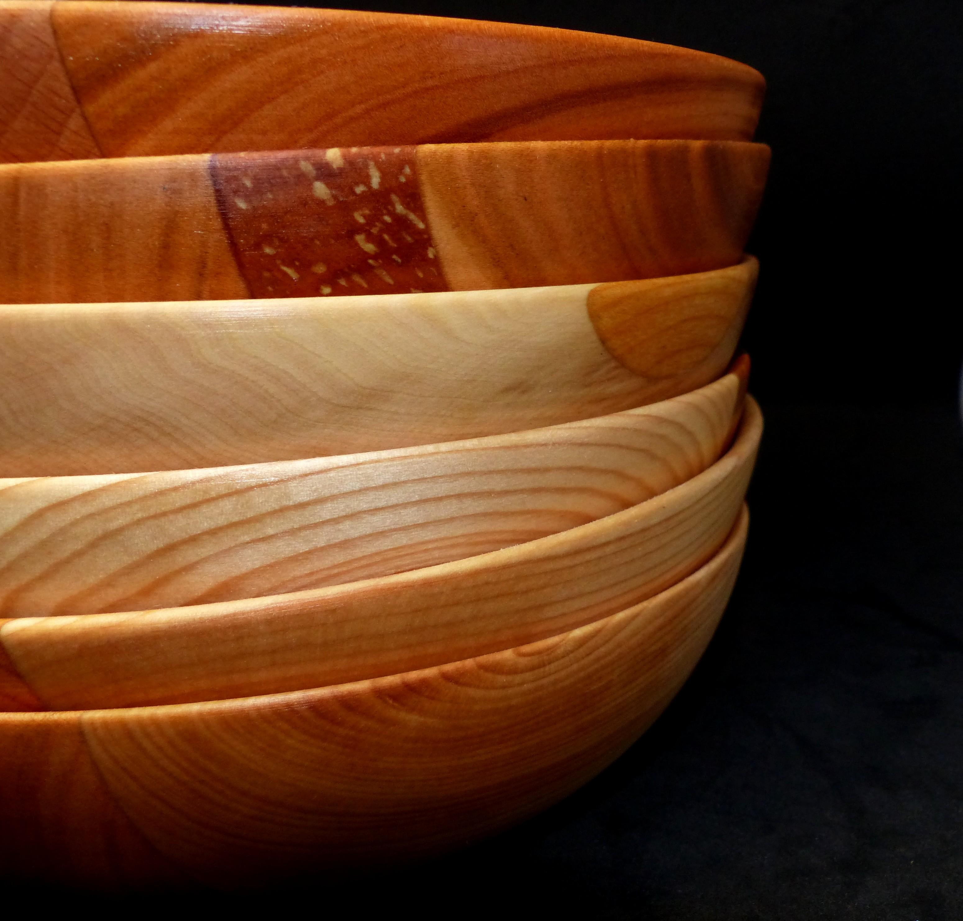 Service d'assiettes artisanales -bois pièce unique