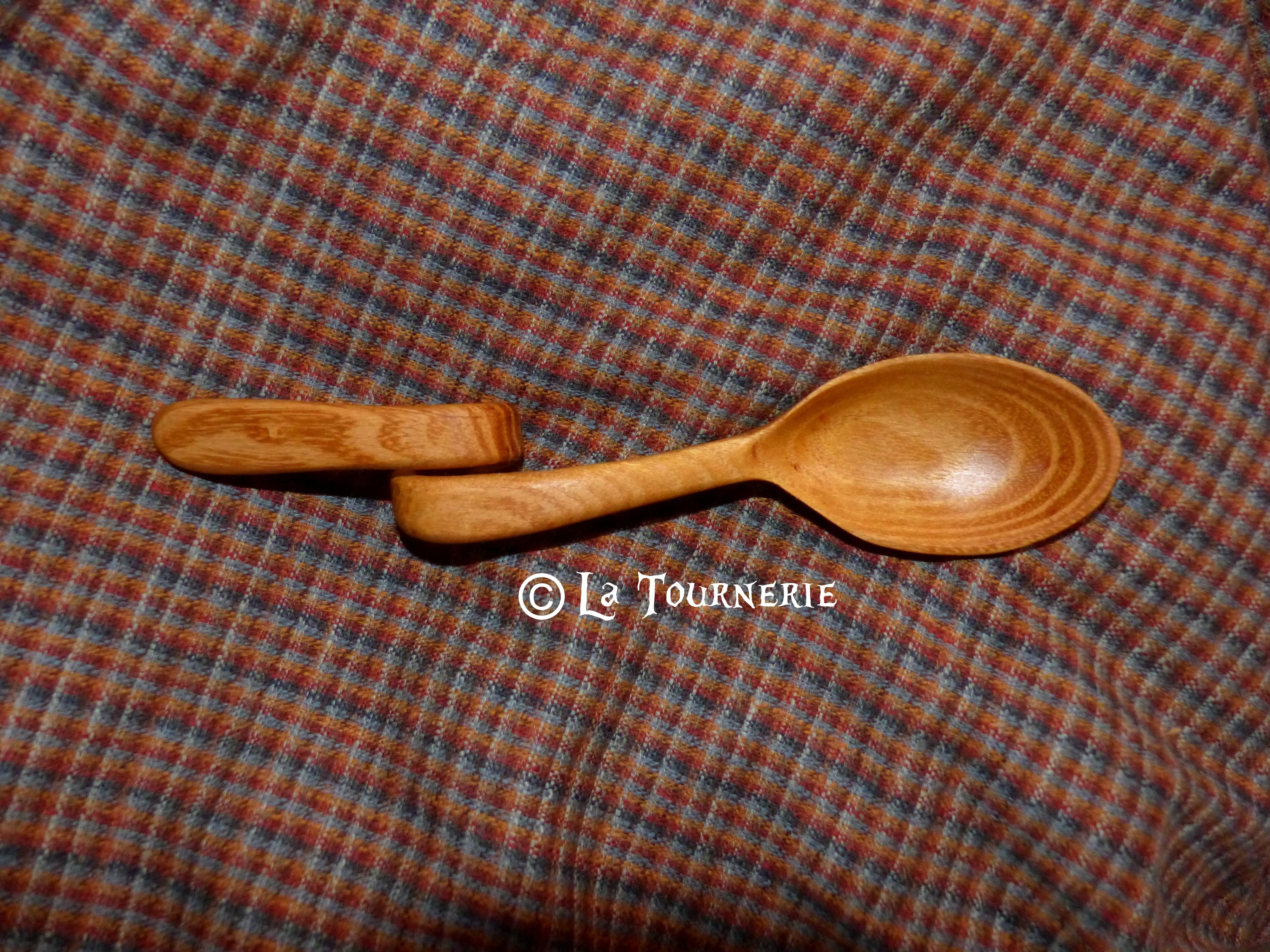 """Cuillère """"Courbe"""" en bois - Sculptée"""