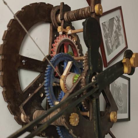 Horloge mécanique en bois Steampunk by La Tournerie