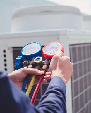 technician-is-checking-air-conditioner-m