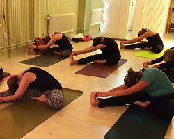 yogaklass29sept_edited.jpg
