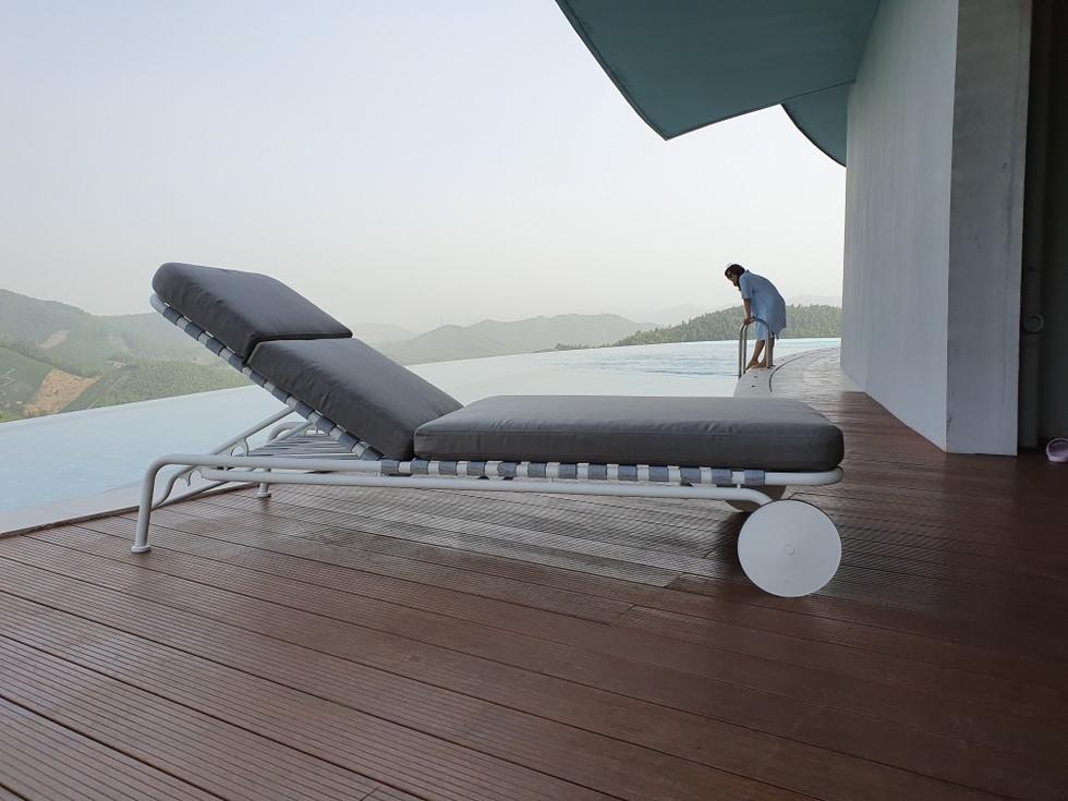 sun bed