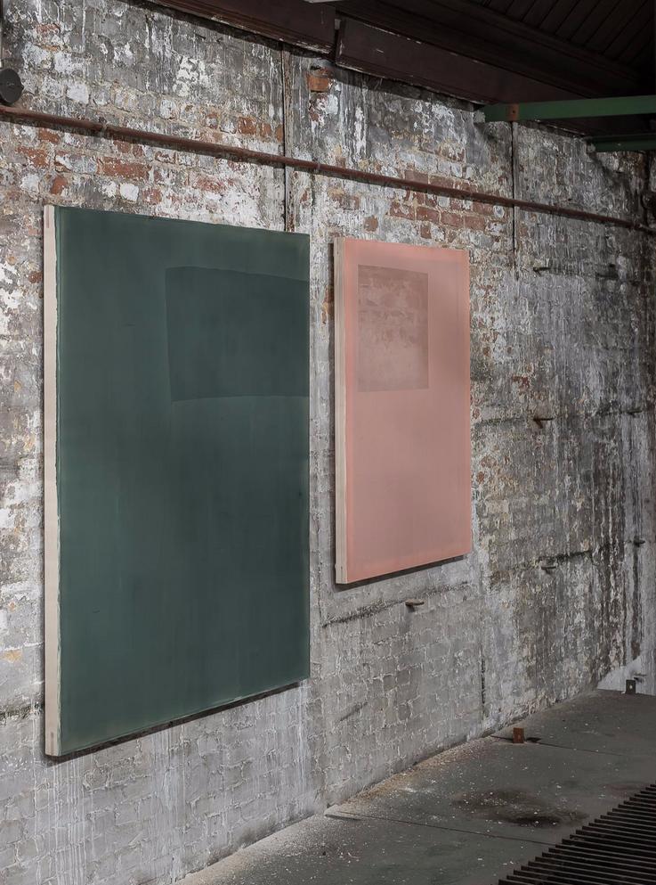 Left : Composition Wasabi Green Dark I Acrylic on chiffon I 130x110cm I 2021 Right : Composition Faux Rose I Acrylic on chiffon I 105x85cm I 2020