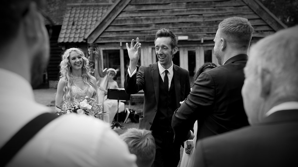 Lee Christoph Mind Reader at a performing mind magic at a wedding in Suffolk