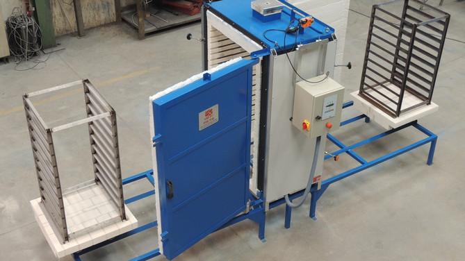 Horno eléctrico para tratamientos variados con doble acceso y dos vagonetas