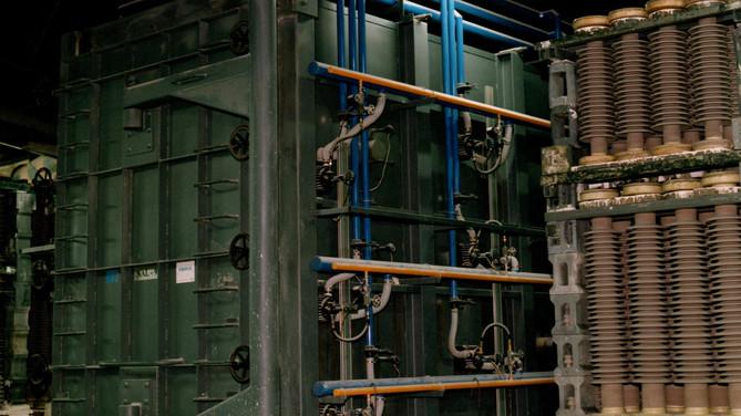 Horno de alta temperatura para cocción de aisladores.