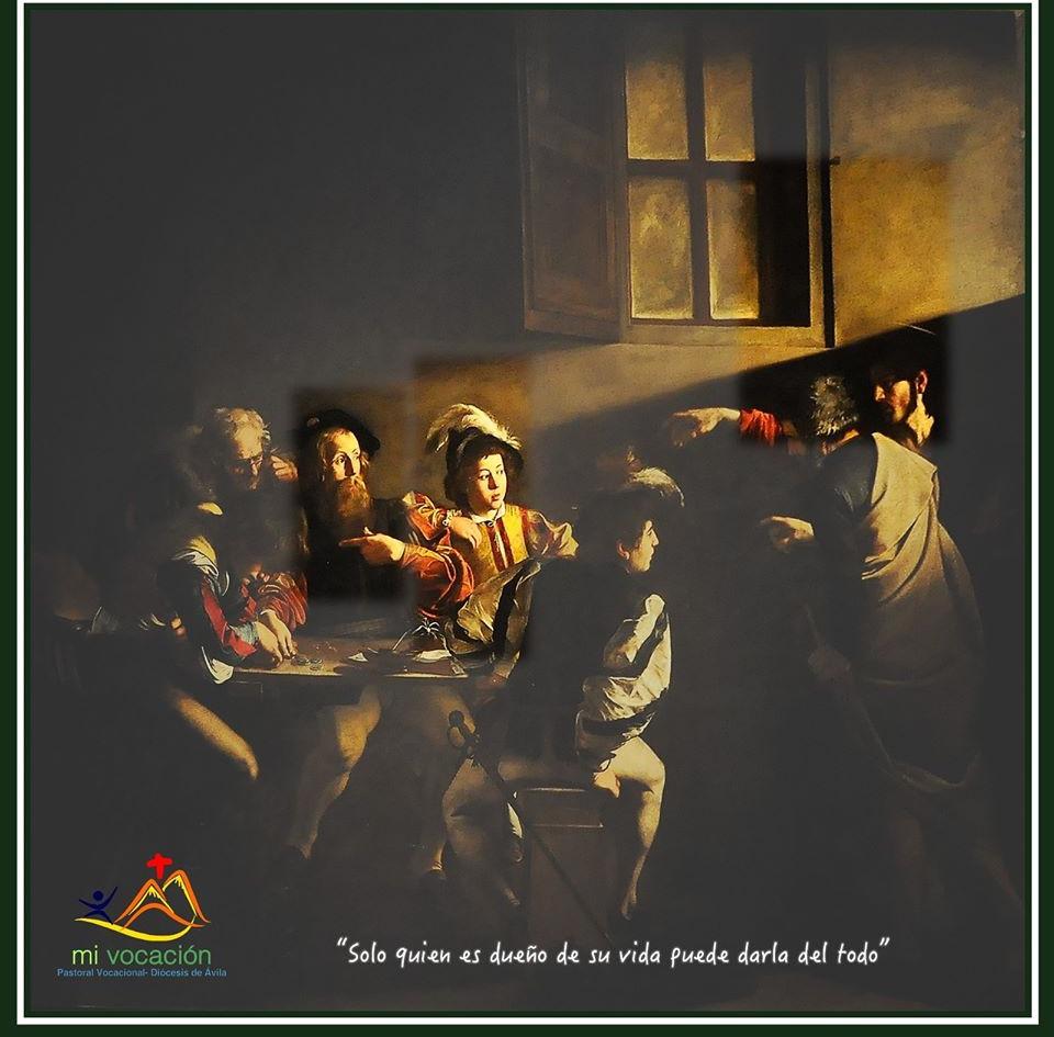 Nuestro personaje de hoy es el joven rico… Se acercó a Jesús para preguntarle cómo ganar la vida eterna… Jesús respondió: vende todo lo que tienes, dáselo a los pobres y sígueme. Pero se fue muy triste porque era muy rico. Por eso no puede mirar a los ojos a Jesús. Porque está demasiado atrapado por lo que piensa que es su riqueza. Pero no es él el dueño de su riqueza, sino su riqueza la que lo controla a él y le hace perder la libertad. ¿de qué le sirve a un hombre ganar el mundo entero si se pierde a sí mismo? #Cuaresma en mivocacion.es