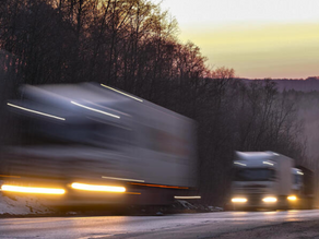 Dojazd a vykládka kamiónov 1. a 8. mája na Slovensku povolená