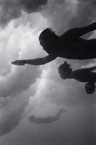 Body Surfers (B-09)